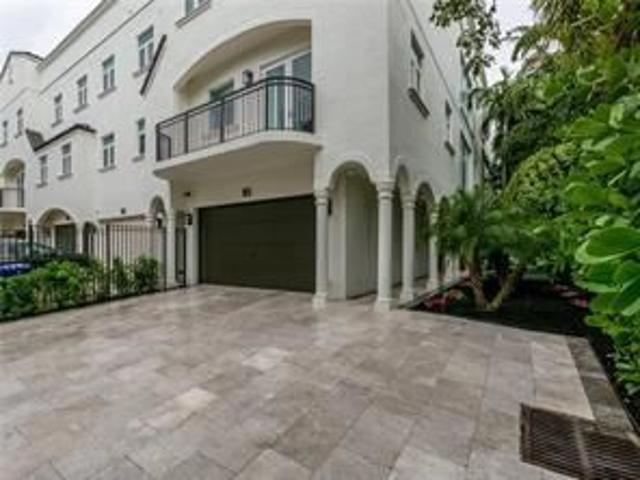 3 Bedroom Home For Rent At Ne 1st St And Isle Of Venice, Fort Lauderdale, Fl 33301 Beverly...