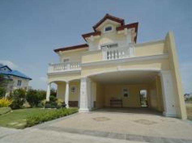 3 Bedroom House And Lot For Sale In Alabang For ₱ 34,138,900 With Web Reference 117485100