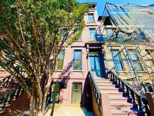 3 Bedroom Luxury Apartment For Rent In Brooklyn, United States