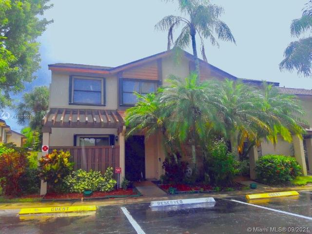 3 Bedroom Luxury Townhouse For Rent In Coconut Creek, United States