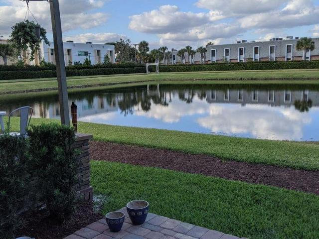 3 Bedroom Luxury Townhouse For Rent In Palm Springs, Florida