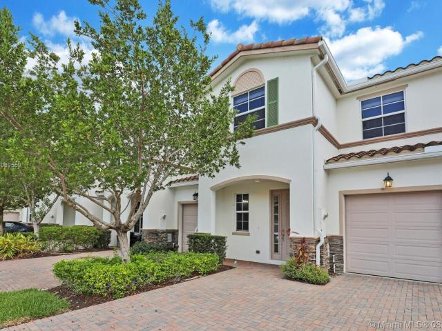 3 Bedroom Luxury Townhouse For Rent In West Palm Beach, Florida