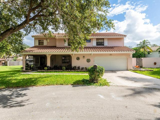 3 Bedroom Luxury Villa For Sale In Cooper City, United States