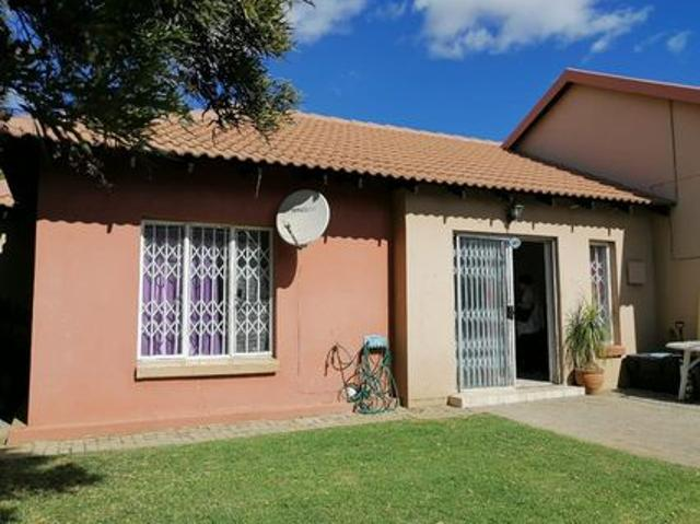 3 Bedroom Simplex For Sale In Illiondale