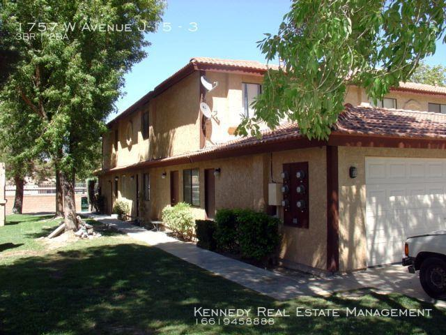 3 Bedroom Single Family Home Lancaster Ca For Rent At 1695