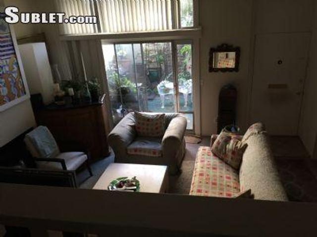 3 Bedroom Single Family Home Los Angeles Ca For Rent At 1800