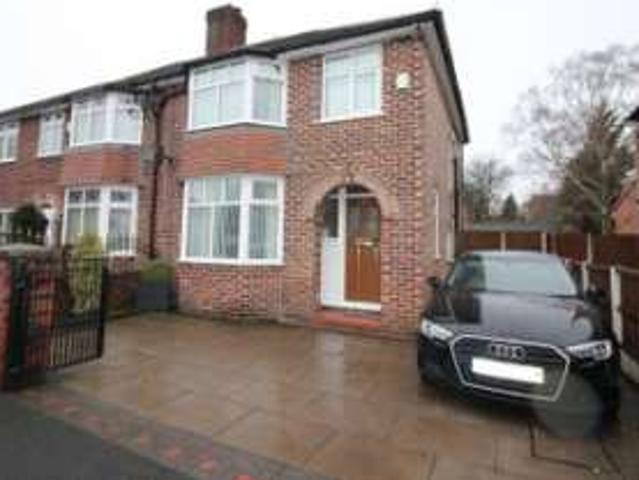 3 Bedrooms Semi Detached House For Sale In Greenfield Avenue, Urmston, Manchester M41