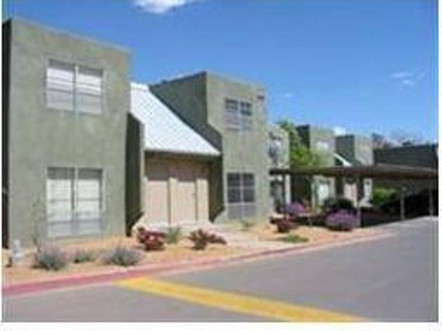 3 Beds City View Townhouse Apartments