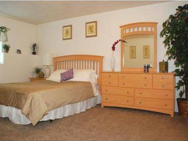 3 Beds Thorneberry Apartments