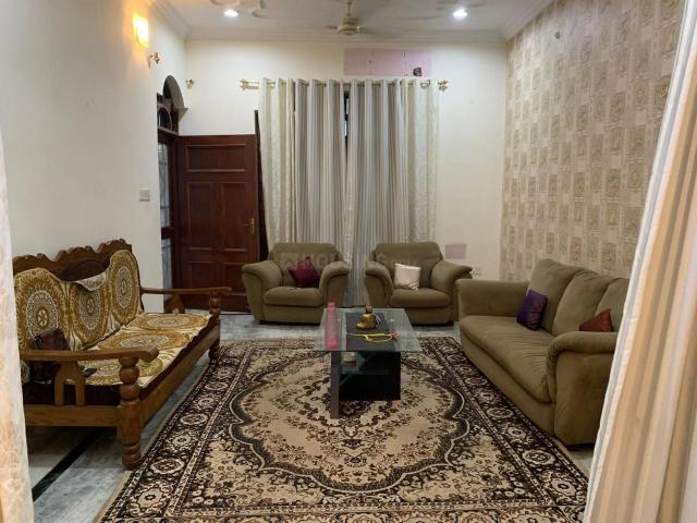 3 Bhk Independent House In Bangla Bazar For Rent Lucknow. The Reference Number Is 3575773