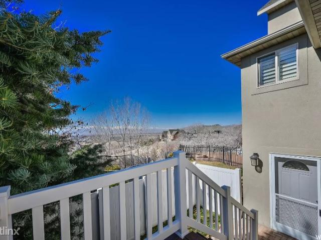 3 Br, 2 Bath Apartment 9283 North Canyon Heights Drive