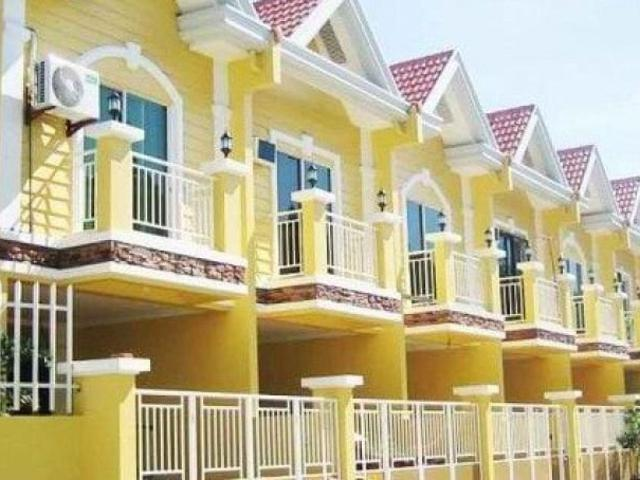 3 Br Corner Lot Townhouse In Jeanette Gardens Las Pinas Rush For Sale