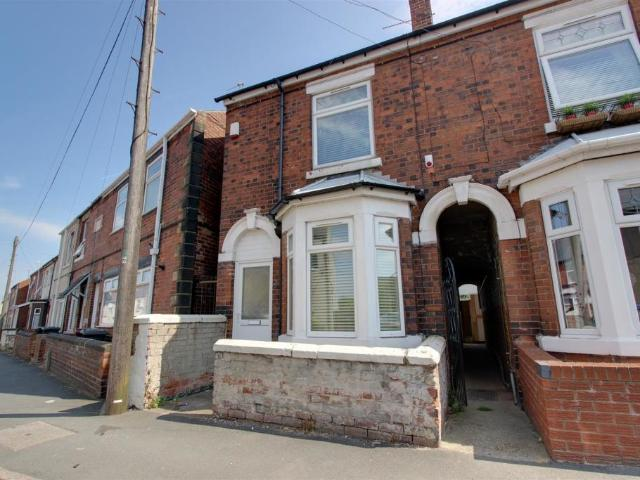 3 Semi Detached House In Holmewood For Rent