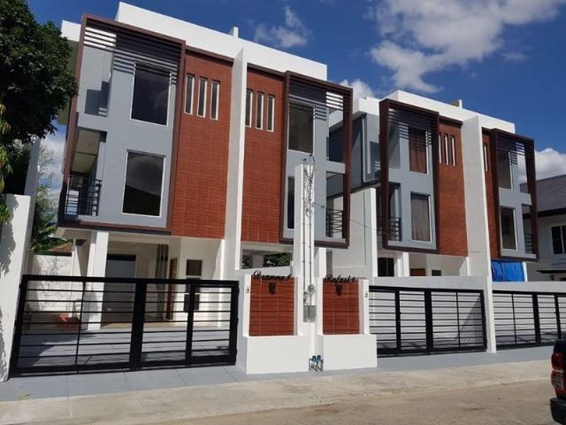 3 Storey Duplex Type House And Lot In Village East Cainta