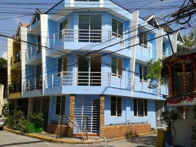 3 Storey Townhouse In Manila