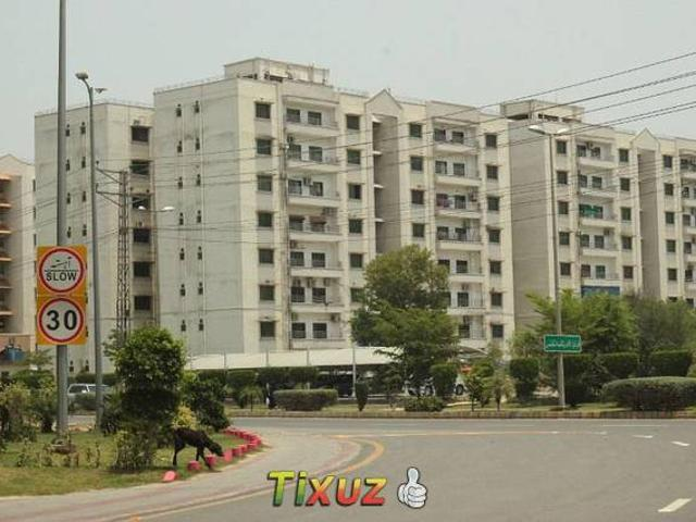 3rd Floor 10 Marla 3 Bed Apartment For Sale