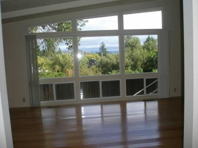 $4000 / 4br 1800ft² Mid Peninsula Family Home