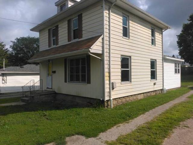 416 Beautiful 4 Br, 2 Bath 416 N. Mulberry St. Clyde, Ohio