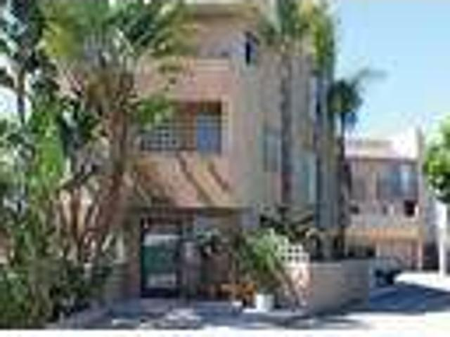 4221 Grand View Boulevard One Br, One Ba