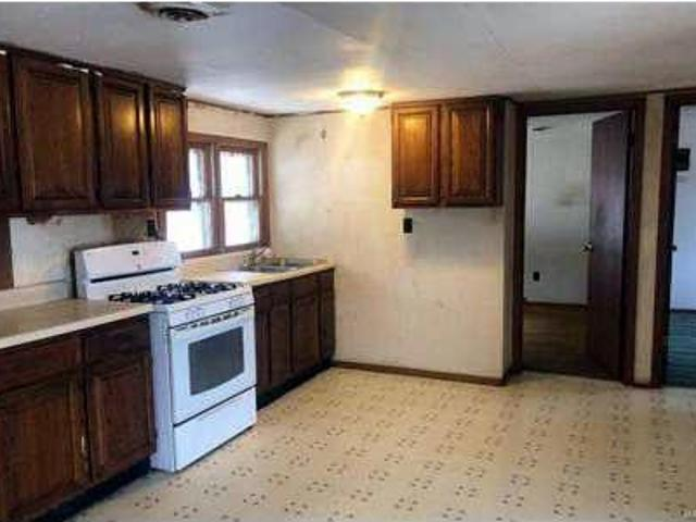 4239 Old Road De Soto, Cute Two Br Home Ready For Your