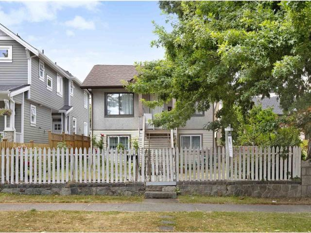 4293 Perry Street, In Vancouver, Bc