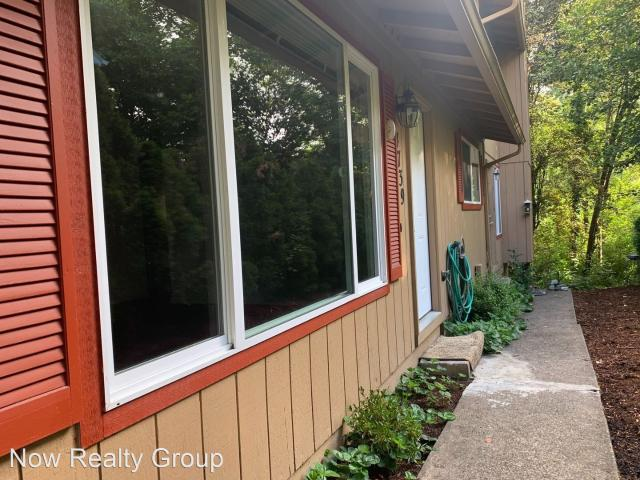 4739 4741 Sw Beaverton Hillsdale Hwy 2 Bedroom Apartment For Rent At 4739 4739 4741 Sw Bea...