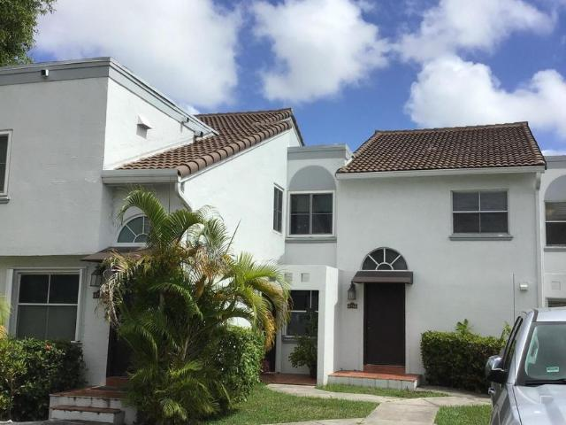 4759 Nw 97th Place #204 Doral, Fl 33178
