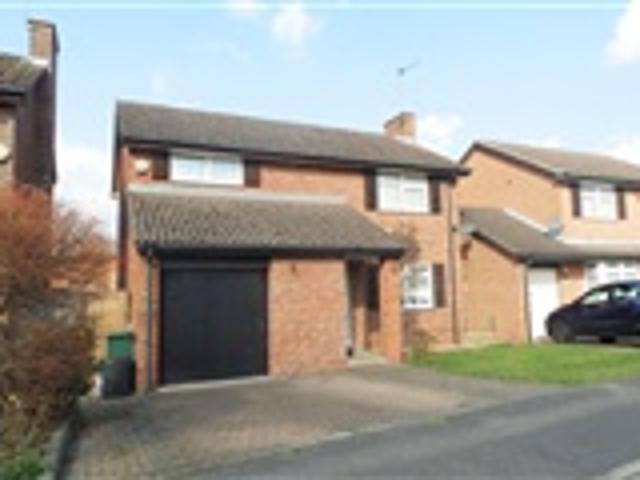 4 Bed Detached For Rent Thames Drive Ruislip