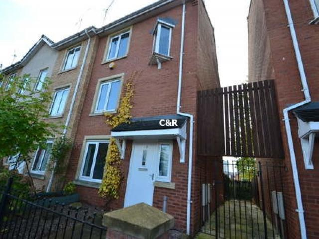 4 Bed End Of Terrace House For Sale