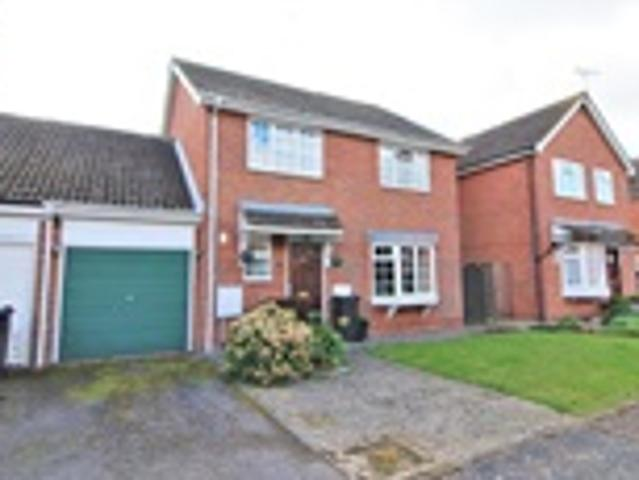 4 Bed Link Detached For Sale Maple Drive Frinton On Sea