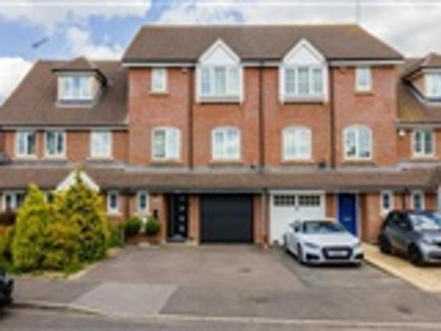 4 Bed Terraced For Sale Bluebell Way Hatfield
