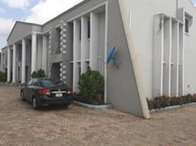 4 Bedroom Apartment / Flat For Sale In Ibadan North For ₦ 40,000,000 With Web Reference 10...