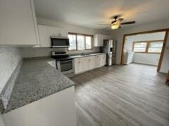 4 Bedroom Apartment For Rent At 8 Porter St #8, Watertown Town, Ma 02472 East Watertown