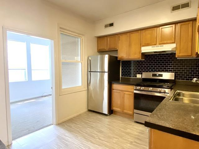 4 Bedroom Apartment Unit Chicago Il For Rent At 2550