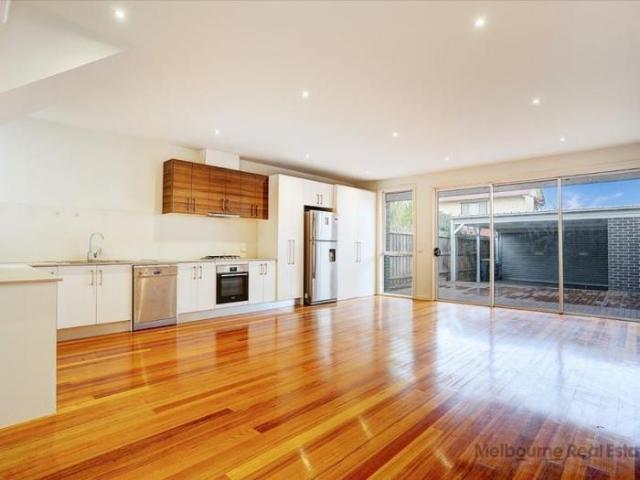 4 Bedroom Detached House Preston Vic For Rent At 600