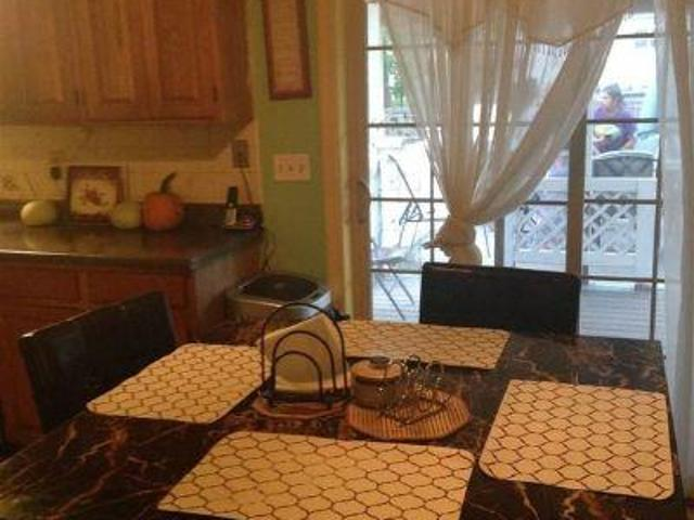 4 Bedroom Detached House Rensselaer Ny For Rent At 2000