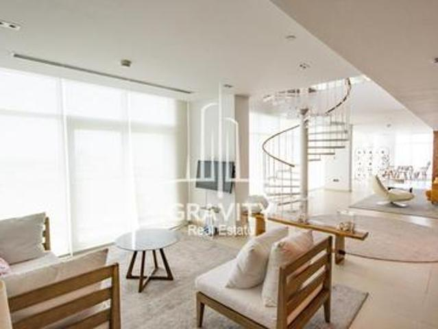 4 Bedroom Duplex Penthouse With Full Sea View