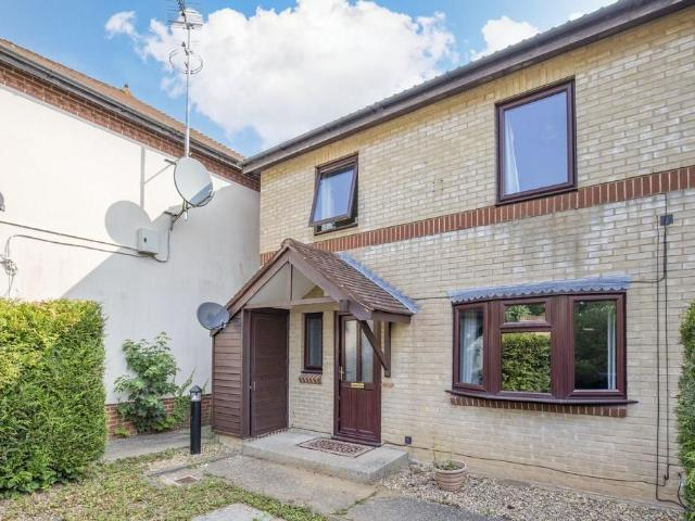 4 Bedroom End Of Terrace House To Rent
