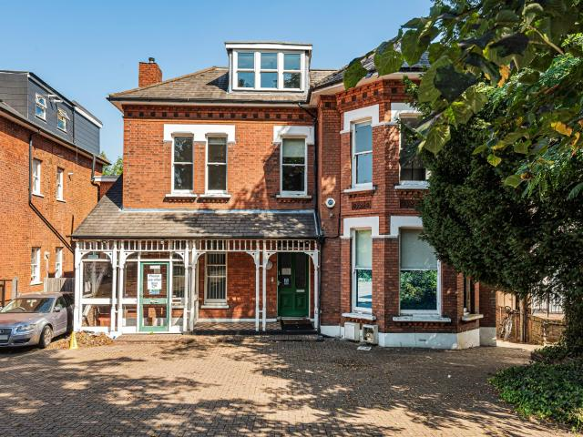 4 Bedroom Flat To Rent In Beulah Hill, London, Se19 On Boomin