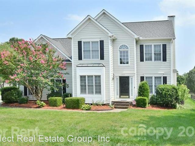 4 Bedroom Home For Rent At 10402 Friarsgate Rd, Huntersville, Nc 28078