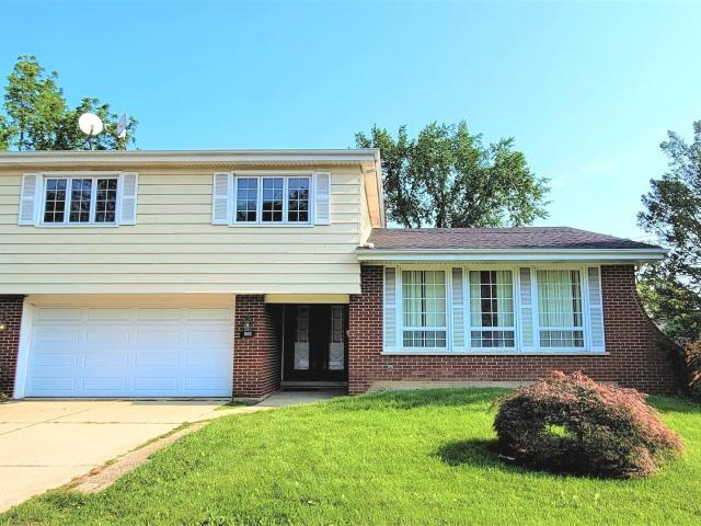 4 Bedroom Home For Rent At 900 Greenwood Ave, Deerfield, Il 60015