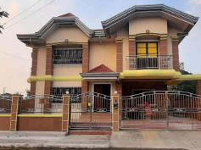 4 Bedroom House And Lot For Sale In Kawit For ₱ 25,000,000 With Web Reference 117686508