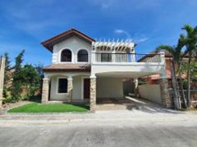 4 Bedroom House And Lot For Sale In Molino For ₱ 19,500,000 With Web Reference 116966231