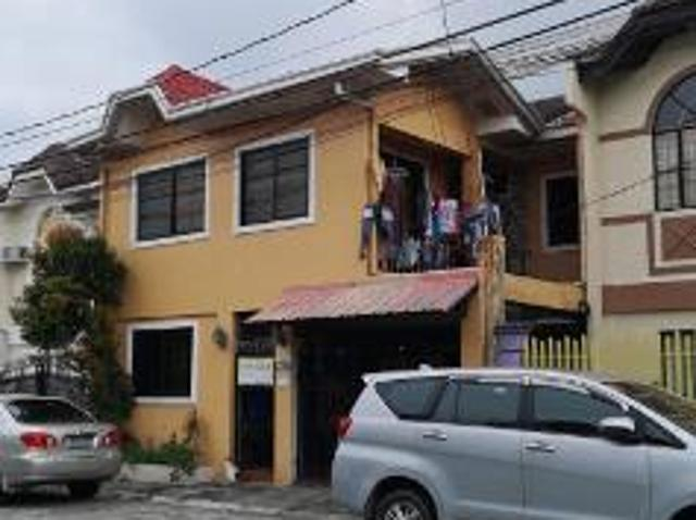 4 Bedroom House And Lot For Sale In Molino For ₱ 3,200,000 With Web Reference 116421143