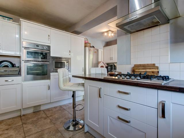 4 Bedroom House For Sale In Birmingham Road, Lickey End, Bromsgrove, B61 0er On Boomin