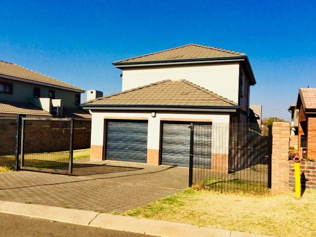 4 Bedroom House For Sale In Clayville