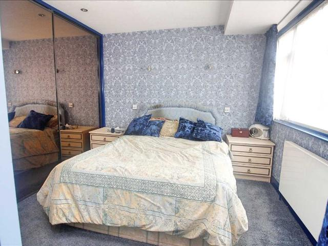 4 Bedroom House For Sale In Cotman Gardens, Edgware, Ha8 5th On Boomin