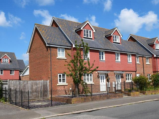 4 Bedroom House For Sale In Penland Road, Bexhill On Sea On Boomin