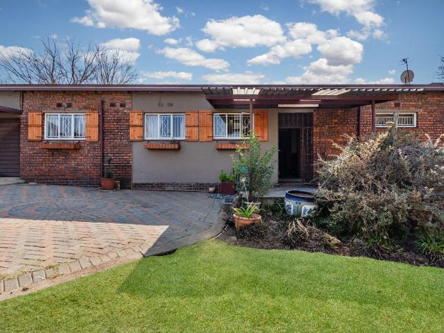 4 Bedroom House In Birchleigh