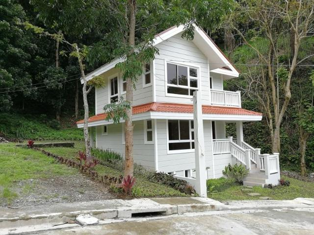 4 Bedroom House In Tagaytay City 2862709
